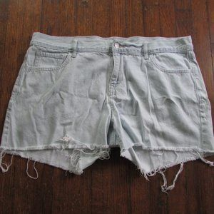 Old Navy light wash jean cut off shorts, size 14